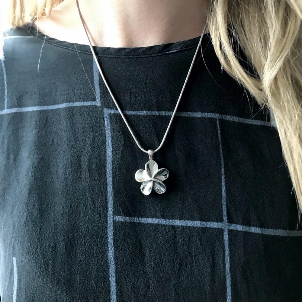 Ashanger bloem sfeer