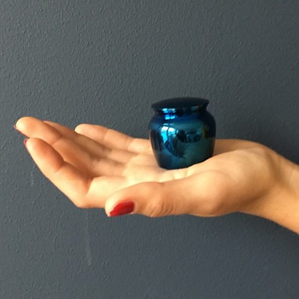 mini-urn-blauw-klassiek-klein-hand