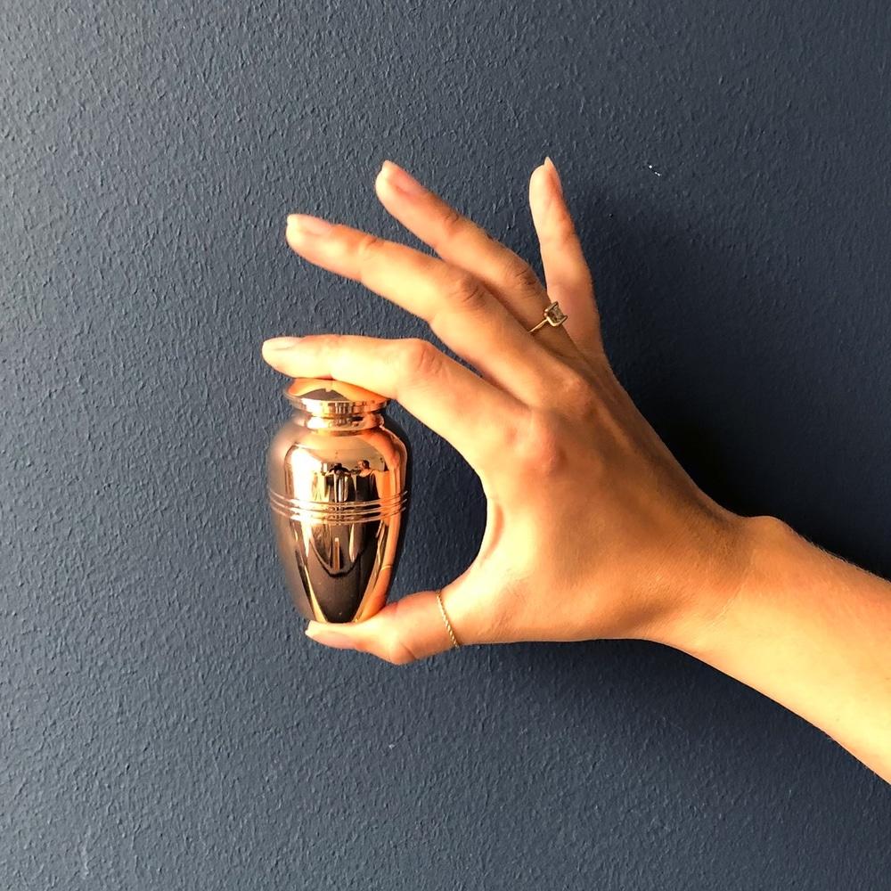 Mini urn rvs kaars rosé goud met rand hand
