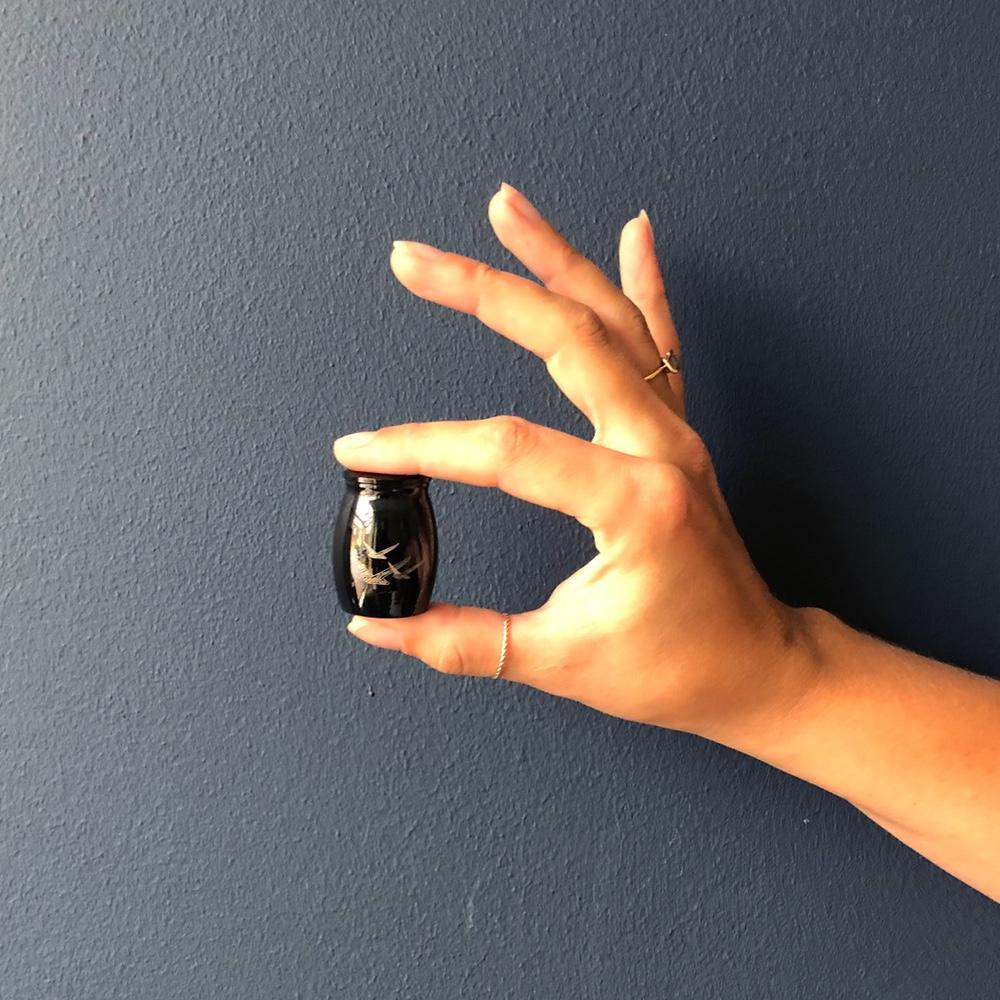 Mini urn rvs vogels zwart hand