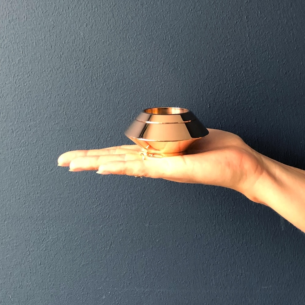 Mini urn rvs waxinelichthouder rosé goud hand
