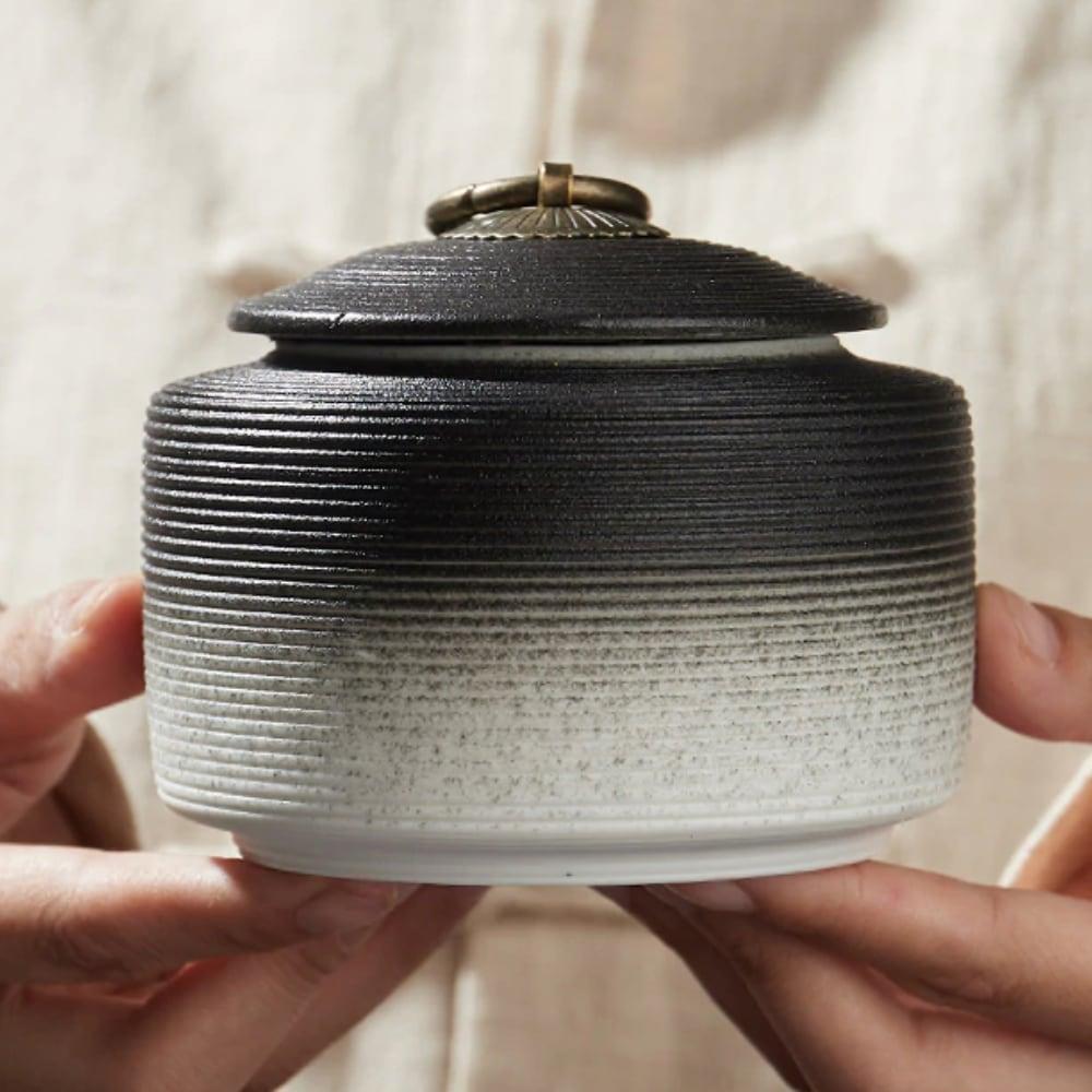 Urn keramiek Japanse Heiwa zwart wit verloop sfeer
